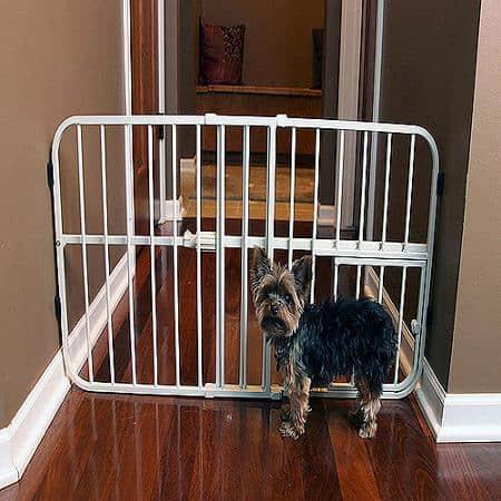 5 Pet Gates With A Cat Door 16